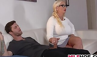 Stepdaughters boyfriend tempted by mama