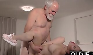 Teen Interrupts Grandpa from Yoga Collateral close by Sucks his Cock wet and hard