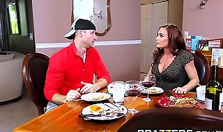 Brazzers - Mommy Got Chest - Diamond Fo and Sean Lawless - Midnight Milk